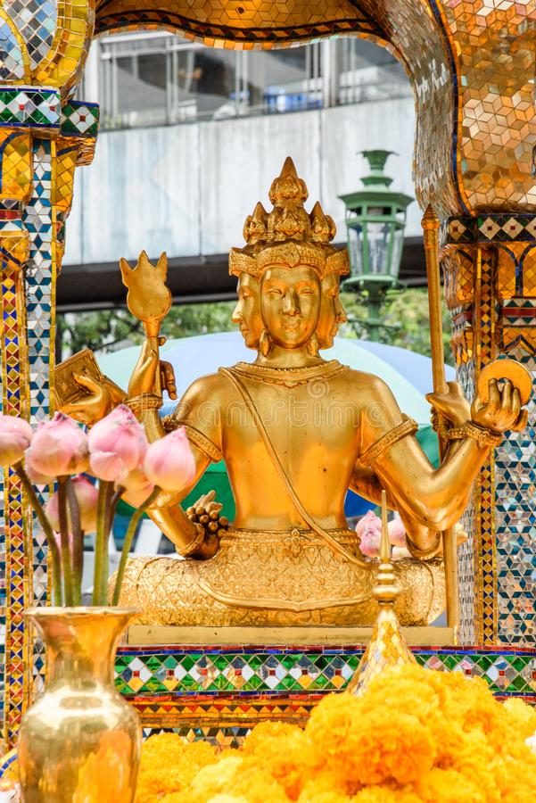 Tajlandia Bankok San Phra Phrom, Erawan połysk, 4 twarzy Buddha, 4 stawiał czoło Buddha, ono modli się obraz royalty free