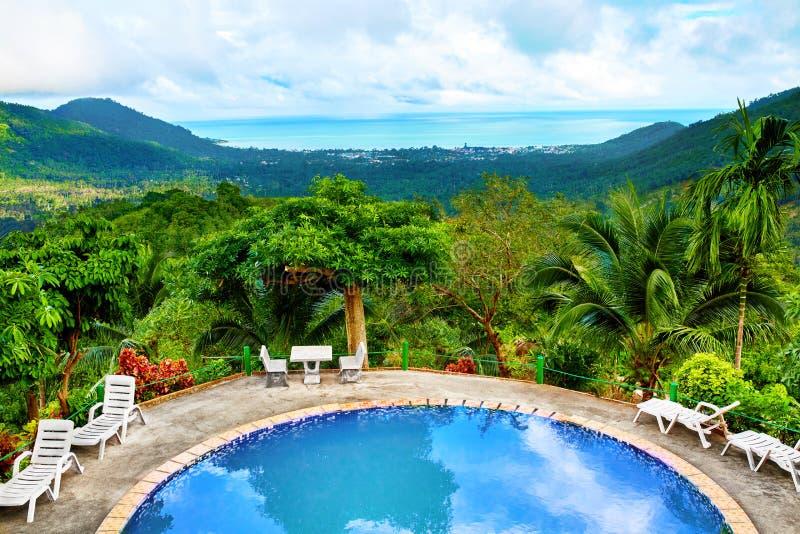 Download Tajlandia Natury Krajobraz Pływacki Basen W Kurorcie Wakacje B Zdjęcie Stock - Obraz złożonej z lifestyles, wzgórza: 65226020