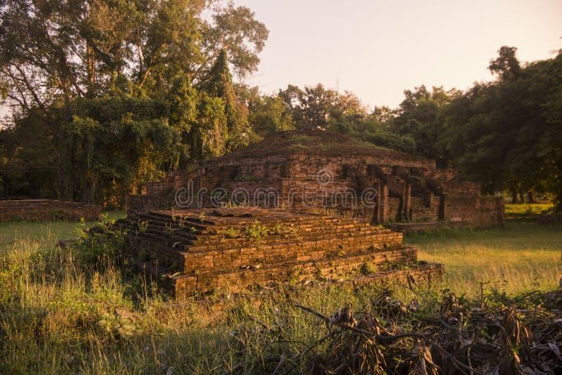 TAJLANDIA PHITSANULOK CHANDRA pałac ruiny obrazy stock