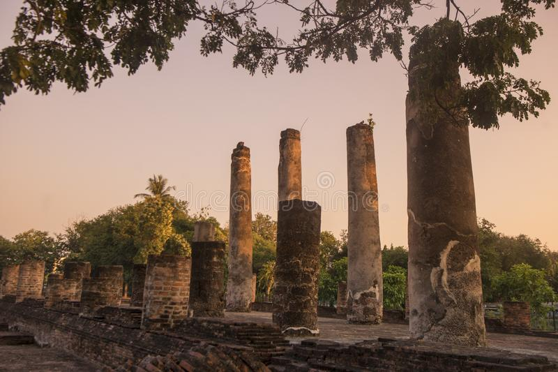 TAJLANDIA PHITSANULOK CHANDRA pałac ruiny zdjęcie stock