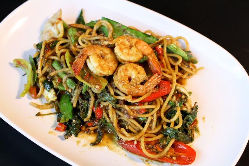 Tajlandzcy chmielni kluski, spaghetti, garnela fotografia royalty free