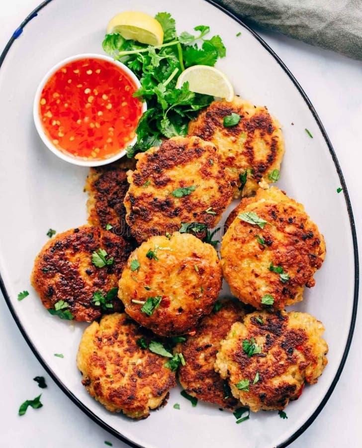 Tajlandzcy krewetek Cutlets - dosłownie pięć minut przygotowywają, żadny ciapanie wymagający i inne 15 minut kucharstwo! Jeżeli t obraz stock