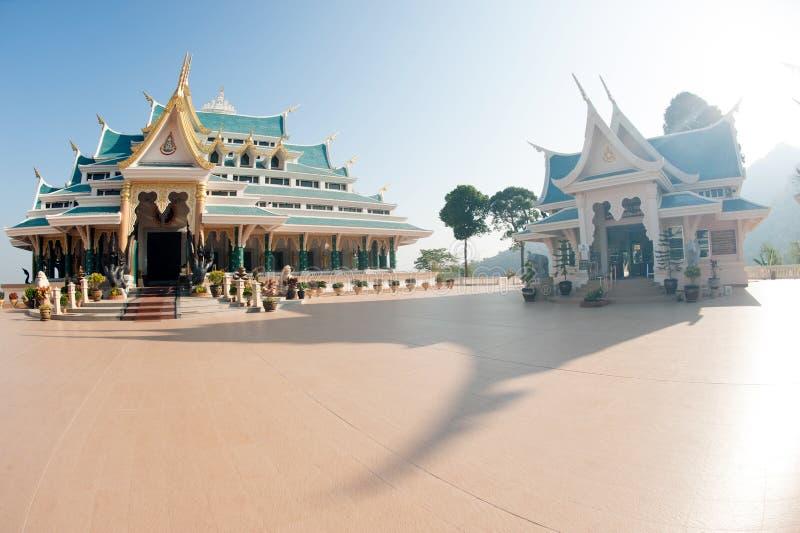 Tajlandzka świątynia jest w Wata Pa Phu Kon, Northeastern Tajlandia obraz royalty free