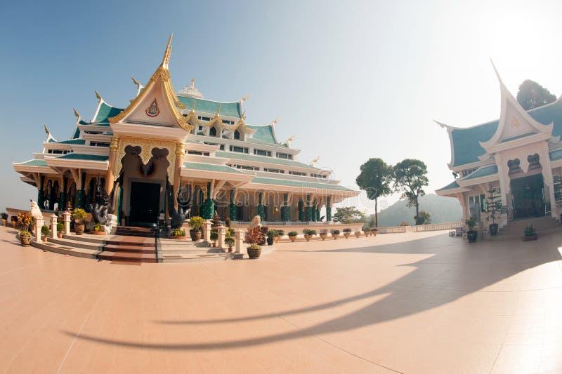 Tajlandzka świątynia jest w Wata Pa Phu Kon, Northeastern Tajlandia obrazy royalty free
