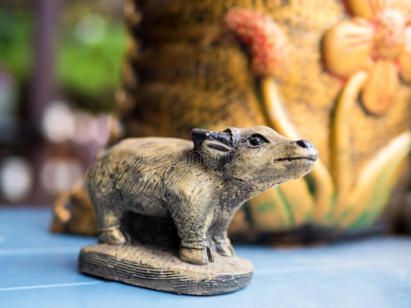 Tajlandzka bawolia statua w handmade fotografia stock