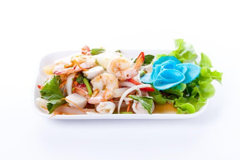 Tajlandzka korzenna sałatka z garnelą i mieszanki warzywem obraz stock