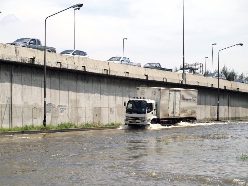 Tajlandzka powódź uderza centralę Tajlandia, wysocy poziomy wody oczekiwać, podczas złego wylew zdjęcie royalty free