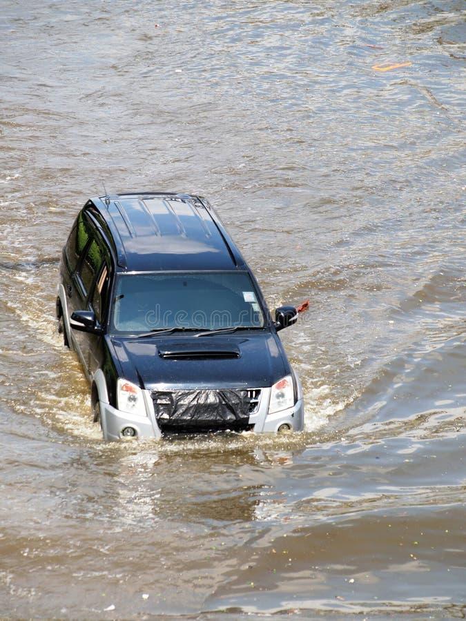 Tajlandzka powódź uderza centralę Tajlandia, wysocy poziomy wody oczekiwać, podczas złego wylew obraz royalty free