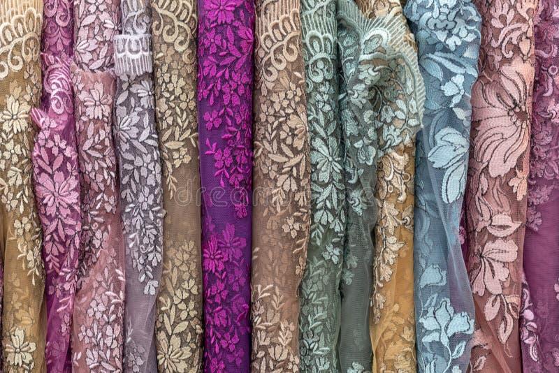 Tajlandzka tkanina, kolorowi kwieciści wzory fotografia stock