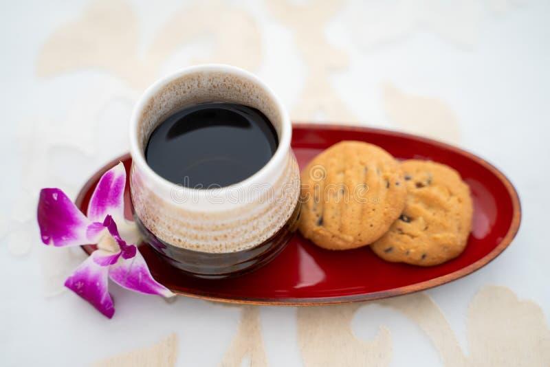 Tajlandzka zielarska herbata i ciastko obrazy stock