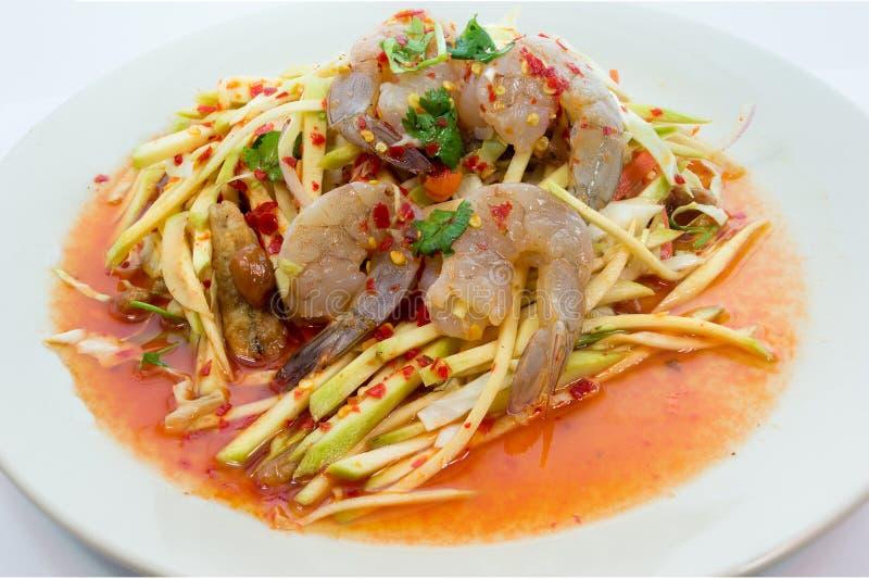 Tajlandzka Zielona Mangowa sałatka z świeżą garnelą fotografia stock