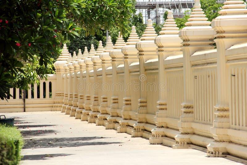 Download Tajlandzki świątynia Betonu Ogrodzenie Zdjęcie Stock - Obraz złożonej z dekoracje, tekstura: 41950914