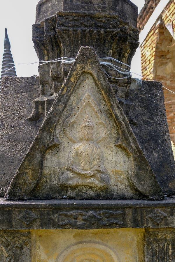 Tajlandzki Antyczny Buddha cyzelowanie od piaskowa w Ayutthaya okresie fotografia royalty free