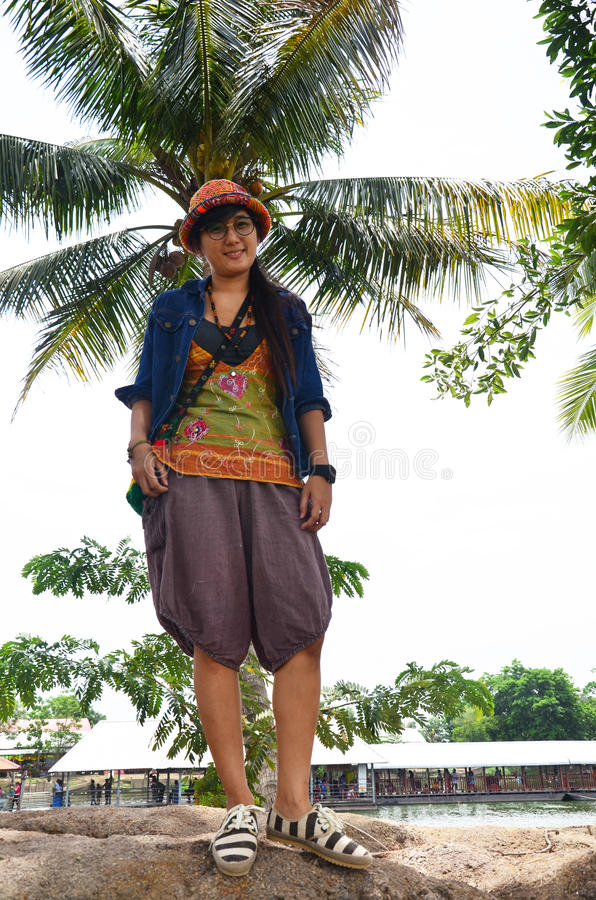 Tajlandzki kobieta portret z ryż lub irlandczyka polem obraz royalty free