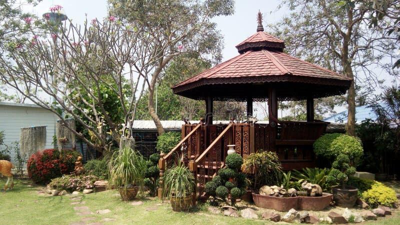 Tajlandzki stylowy drewniany pawilon zdjęcie royalty free