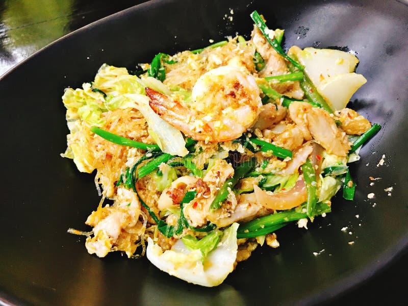 Tajlandzki stylowy fertanie smażący sukiyaki zdjęcie royalty free