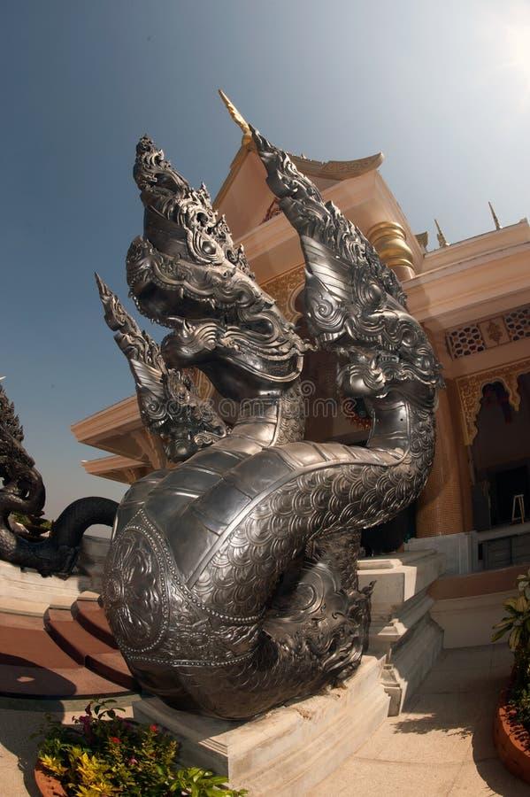 Tajlandzki sztuka opiekunu wąż dekorował w Wata Pa Phu Kon, Tajlandia obrazy stock