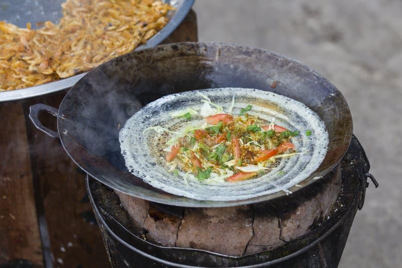 Tajlandzki uliczny jedzenie na tradycyjnym rynku w Koh Phangan, Tajlandia zdjęcie royalty free