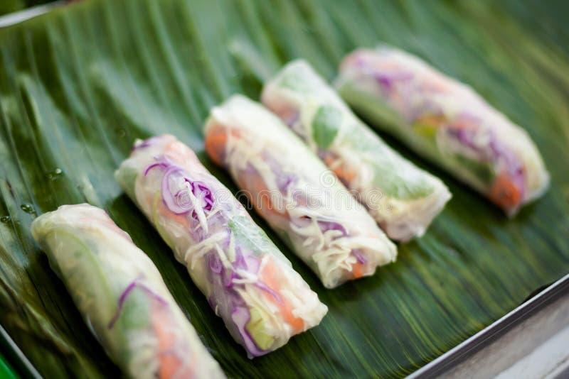 Tajlandzki wiosen rolek Poh Pia Darniuje obraz stock