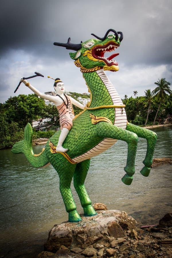 Tajlandzkie bajek statuy obrazy royalty free