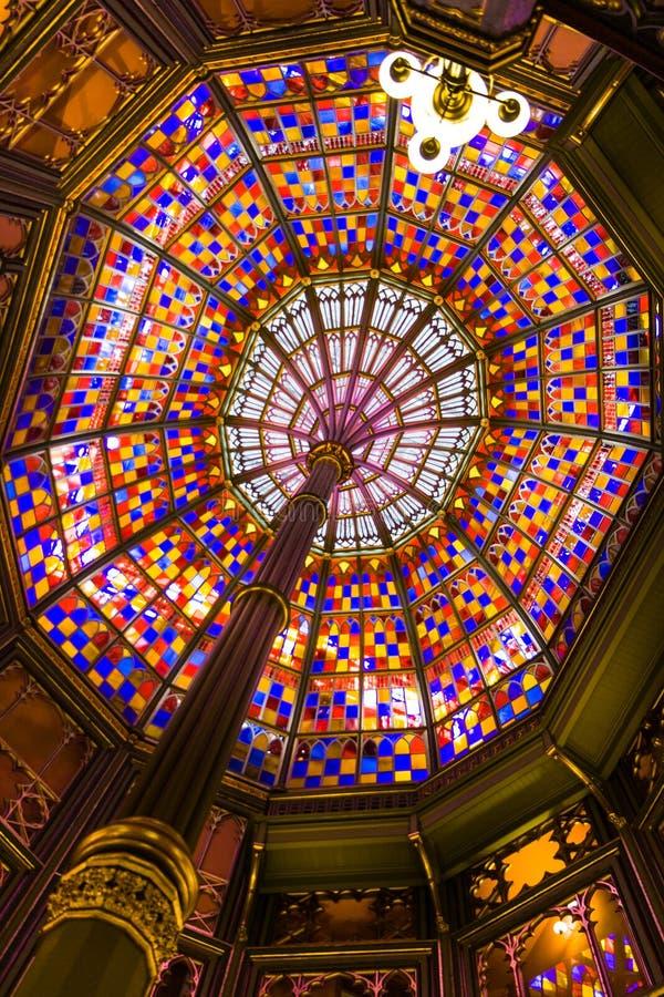Tak av den gammala Louisiana statliga capitolen. arkivfoto