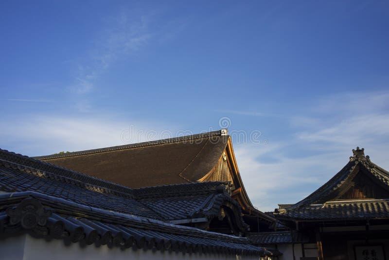Tak av den japanska templet royaltyfri fotografi