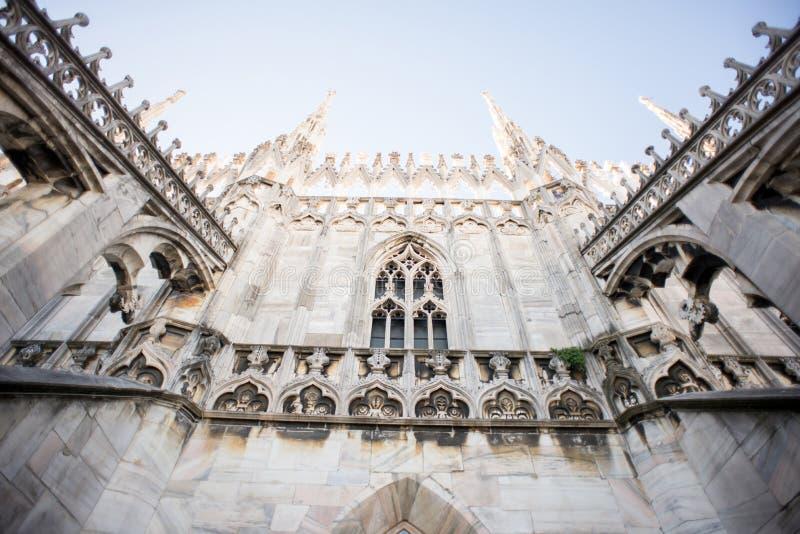Tak av Duomodomkyrkan, Milan arkivbilder