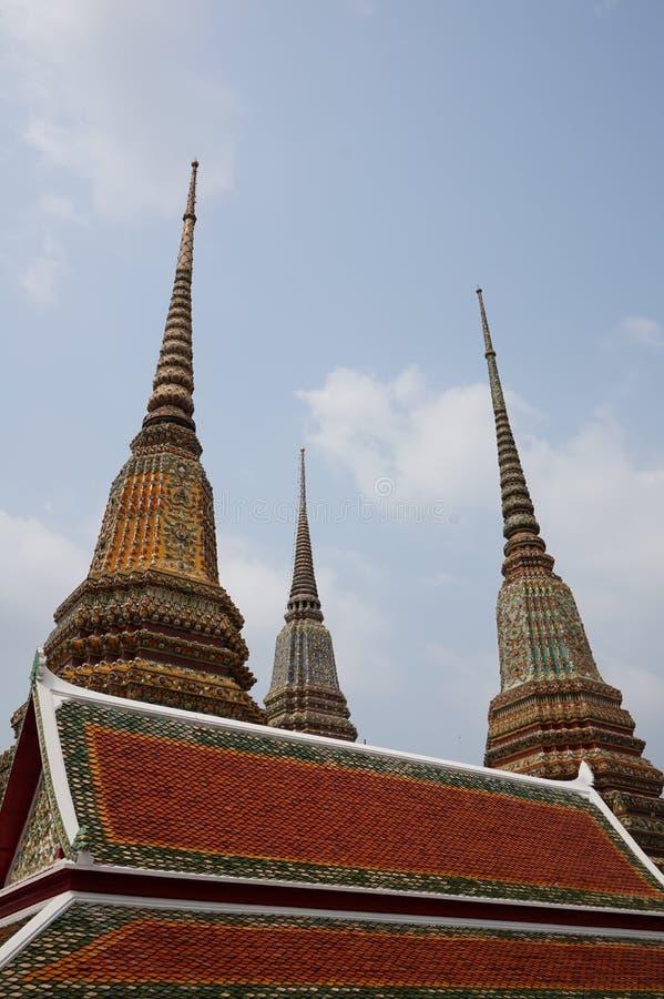 Tak av templet Wat Pho royaltyfri fotografi