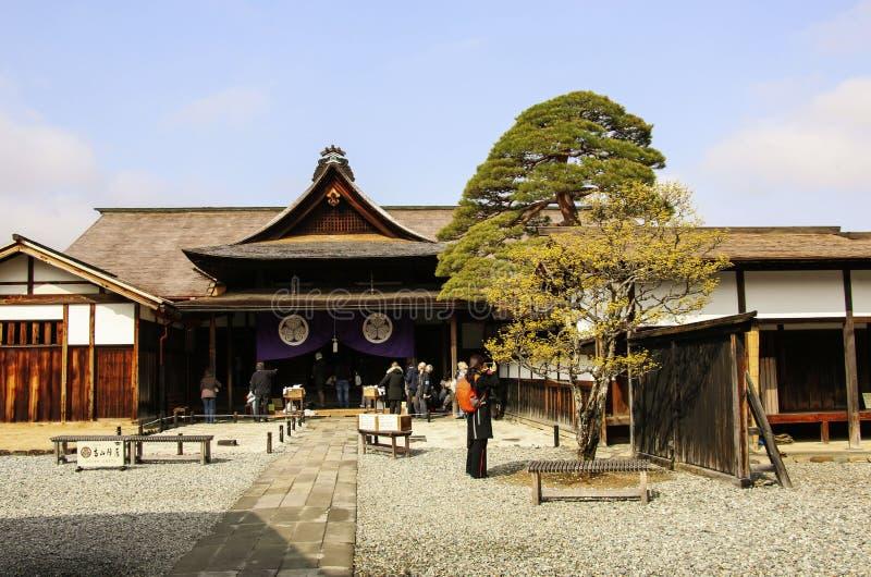 TAKAYAMA, JAP?N 27 DE MARZO DE 2019: La sucursal nacional de Takayama Jinya- del sitio hist?rico de Edo Bakufu foto de archivo