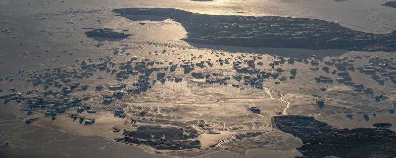18Take een satellietbeeld van het ijs en de zonsopgang over de bering Straat ï ¼ ˆ1ï ¼ ‰ royalty-vrije stock foto's
