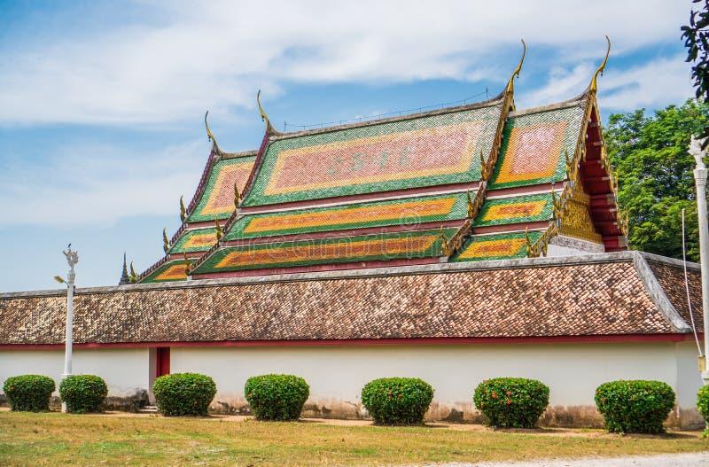 Taket av kyrkan i buddism arkivfoto
