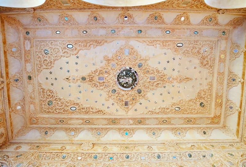 Taket av sommarterrassen av det Tabatabaei huset, Kashan, Iran arkivfoton