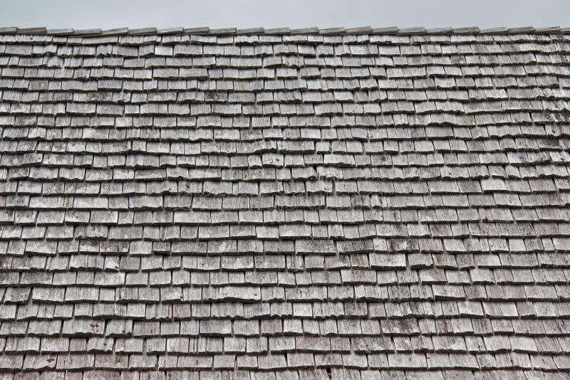 taket rows shingles arkivbilder