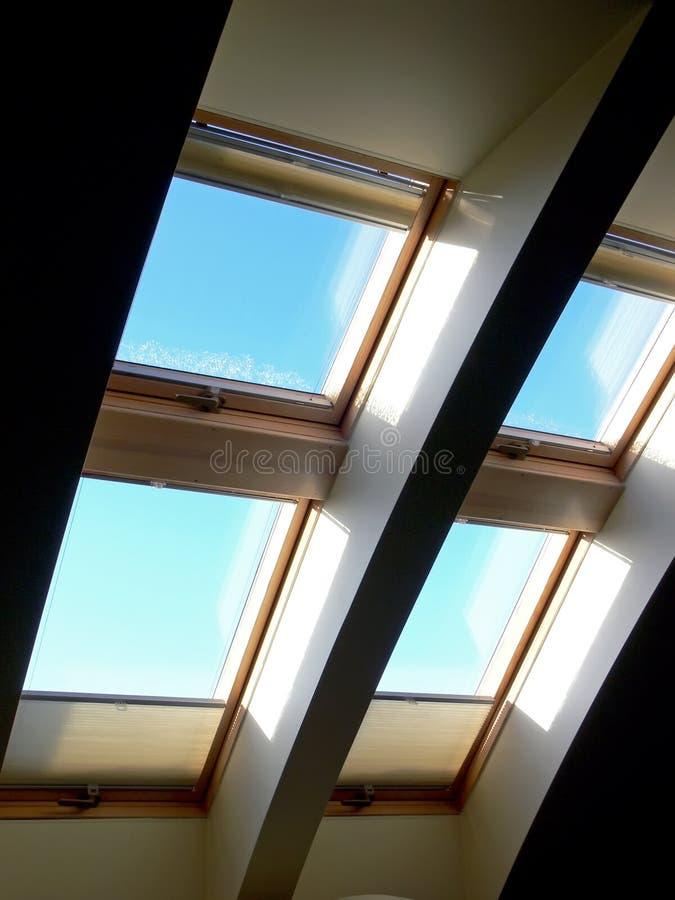 takfönster royaltyfria bilder