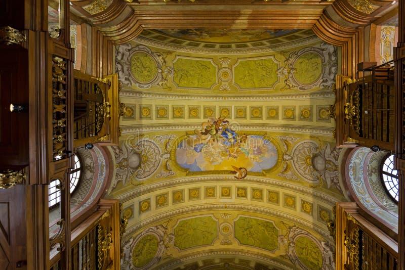 Takfrescoesmålning, allegori av fred och himmel av Daniel Gran på det österrikiska nationella arkivet i Wien, Österrike arkivfoton