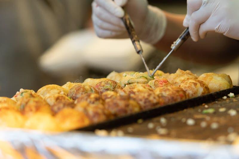 Takoyaki ? um alimento de petisco japon?s o mais famoso imagens de stock royalty free