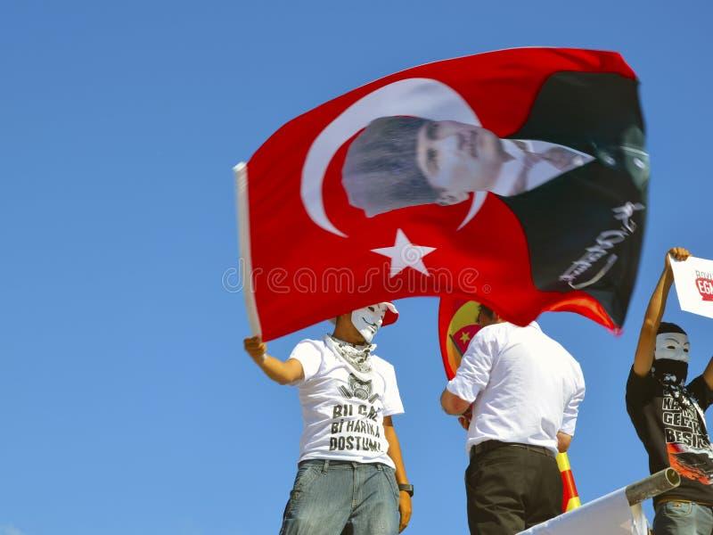 Taksim Gezi parkerar protester och händelser En sikt från protesterna I arkivfoto