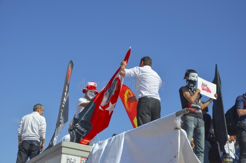 Taksim Gezi parkerar protester och händelser En sikt från protesterna I fotografering för bildbyråer