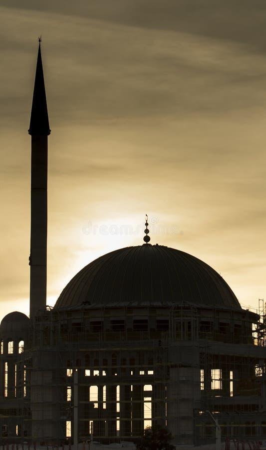 Taksim Istanbul/Turkiet - mars 18th, 2019: Moskékonstruktionen på solnedgången royaltyfria bilder