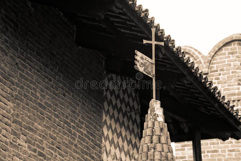 Taktegelplattor, den medeltida gamla taktegelplattan, sepia sköt från arkivfoto