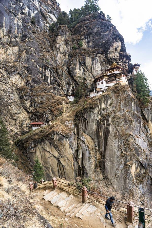 Taktshang Goemba o Tiger& x27; tempio del nido di s sulla montagna, Bhutan fotografie stock libere da diritti