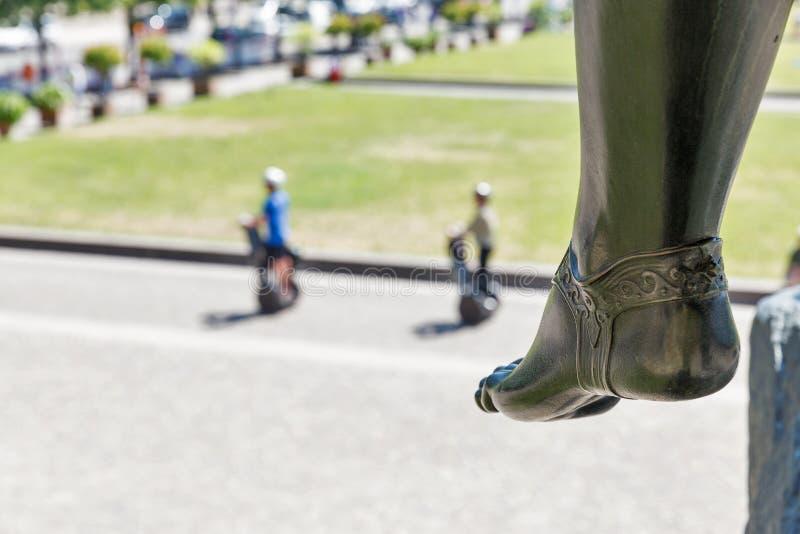 Talón de la estatua delante del museo de Altes en Berlín, Alemania foto de archivo