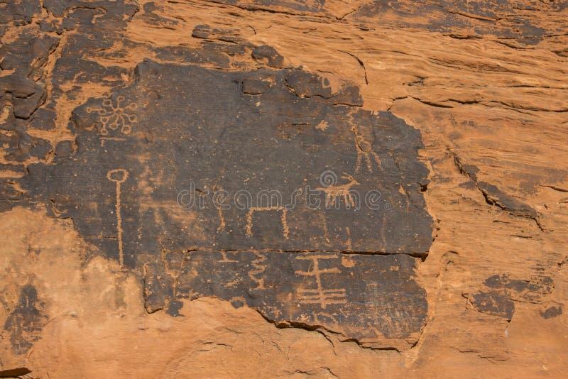 Tal von Feuer-Petroglyphen stockfoto