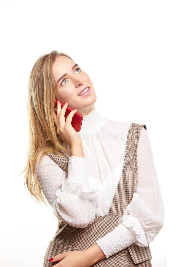 talande kvinna för celltelefon royaltyfria bilder