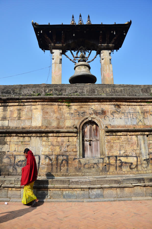 Taleju Bell in Hari Shankar Temple am Südeingang von Quadrat Patan Durbar stockbild