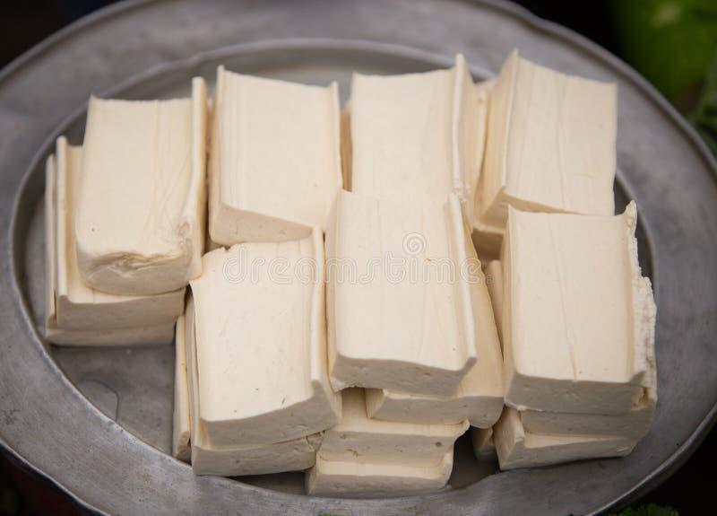 Talerz Surowy Tofu przy ulicznym rynkiem obrazy stock