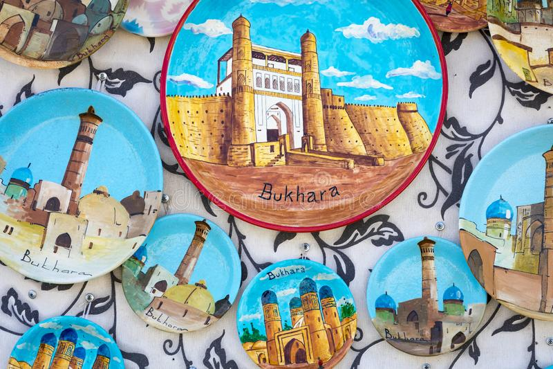 Talerze i garnki na ulicznym rynku w mieście Bukhara, uzbek zdjęcia royalty free