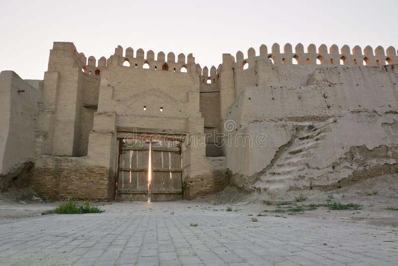 Talipach门 老镇墙壁 布哈拉 乌兹别克斯坦 库存图片