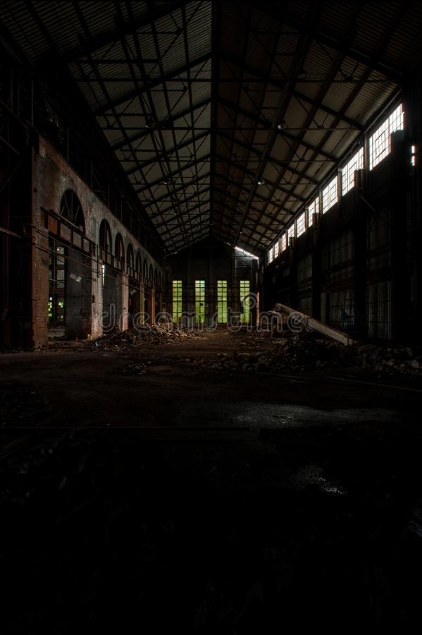 Tall Windows + Brick Arches - Abandoned Wean United Factory - Youngstown, Ohio stockfotos