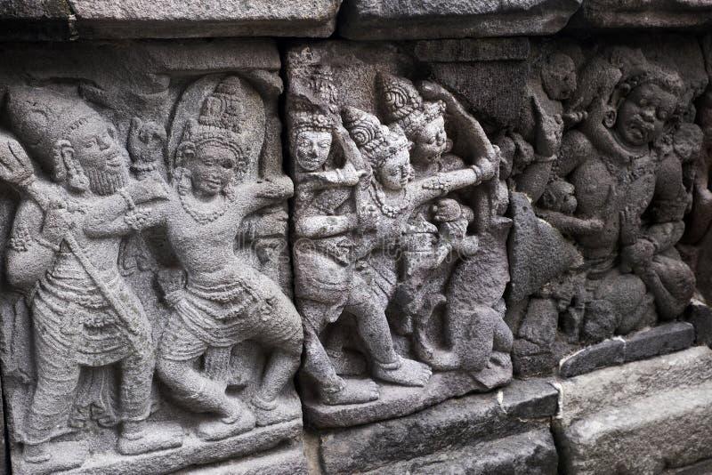 Talla de alivio en el templo de Prambanan, Indonesia imagen de archivo libre de regalías